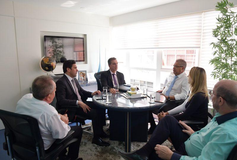 Dep. Isnaldo Bulhões realiza visita de cortesia à Anasps-3